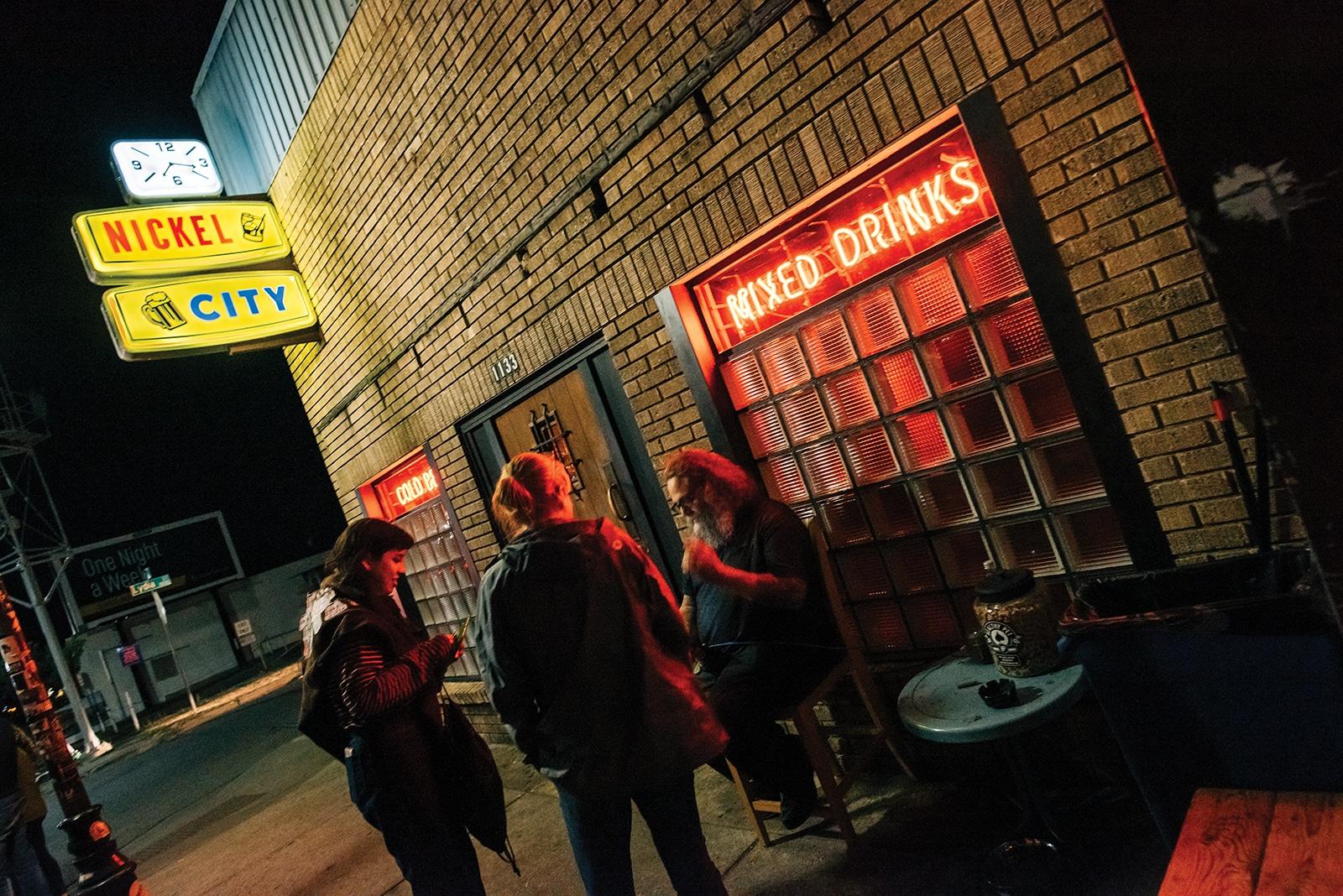 The 40 Best Bars In Austin Austin Monthly Magazine